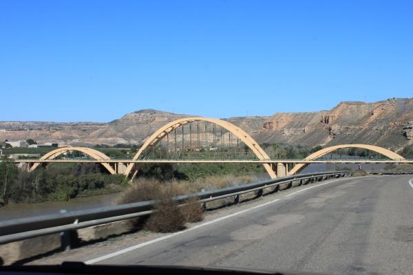 Puente que da acceso a Sástago, sobre el río Ebro, en la carretera de Bujaraloz